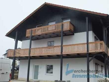 Immobilien Lerchenberger: Großzügiges MFH mit fünf Wohneinheiten in Aldersbach