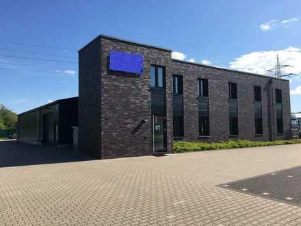 Attraktive Büroflächen mit Halle Neuwertig