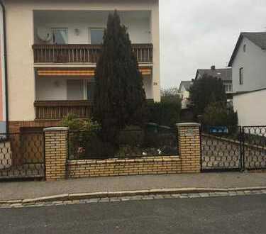 Schöne Doppelhaushälfte mit fünf Zimmern in Schwandorf (Kreis), Schwandorf, mit Garten und Garage