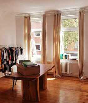 Schöne, geräumige drei Zimmer Wohnung in Kiel, Blücherplatz