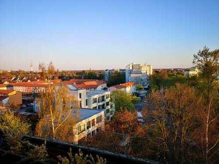 2 Zimmer- Wohnung mit Blick über die Dächer von Hannover