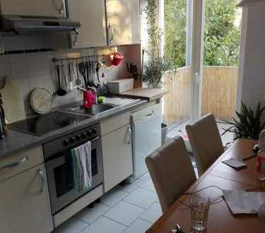 EHRENFELD--möbelierte Wohnung mit Sonnenbalkon