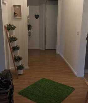 3-Zimmer-Wohnung mit eigenem Garten und Einbauküche in Hatten