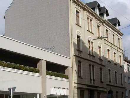 Schöne vier Zimmer Dachgeschosswohnung in Wuppertal, Elberfeld