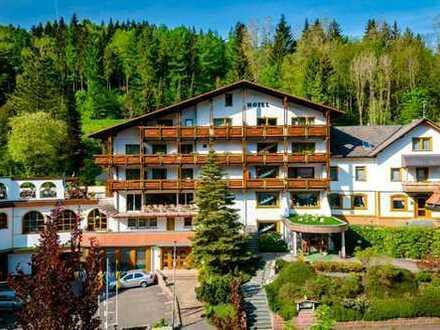 4 Sterne Hotel im Schwarzwald laufende gute Bewirtschaftung