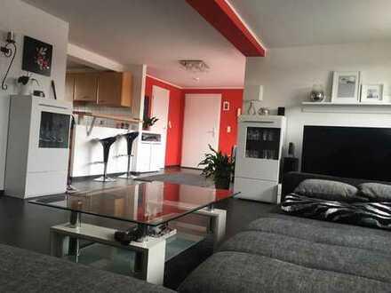 Individuelle moderne 2-Zimmer DG -Wohnung mit sonniger Dachterrasse und Carport in BS-Heidberg