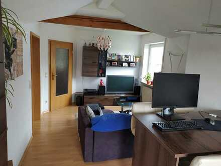 Attraktive 1-Raum-DG-Wohnung mit EBK und Balkon in Gaimerseim