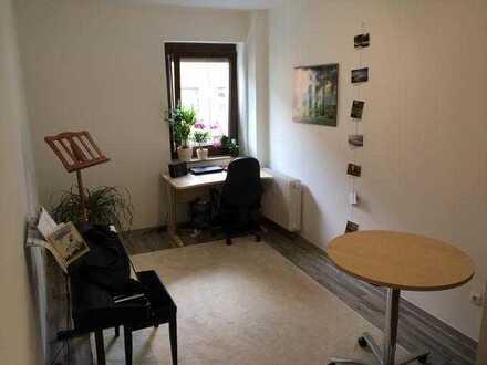 Helles Zimmer in ruhiger und zentraler Lage