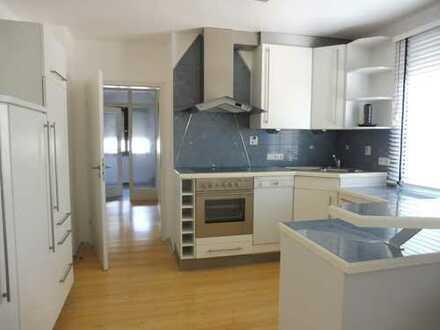 Hier wohnen Sie mit der ganzen Familie - ideal als Mehrgenerationenhaus geeignet !
