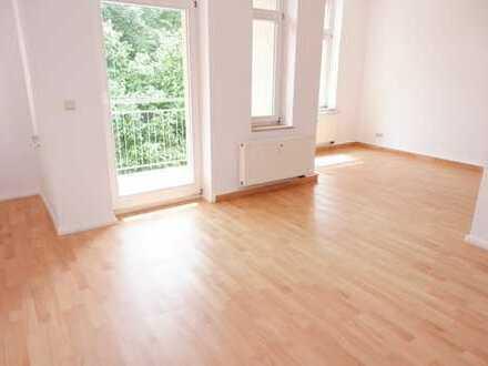 Süd/Balkon - offener Küchenbereich - TOP Lage - 1. OG - Laminat