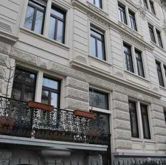 Provisionsfrei: Repräsentative Stilaltbauwohnung in citynaher Lage