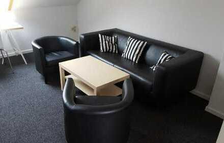 1 Zimmer Wohnung mit Garten - Neu Renoviert und Möbliert - SBahn