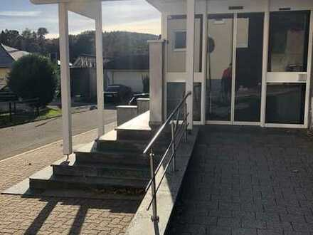Behindertengerechte Büro-/Praxis-/Gewerbe- Fläche zu vermieten - 6 Stellplätze - NGD Dilsberg
