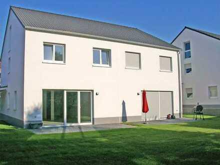 POCHERT HAUSVERWALTUNG - Sehr schöner NEUBAU: moderne Doppelhaushälfte