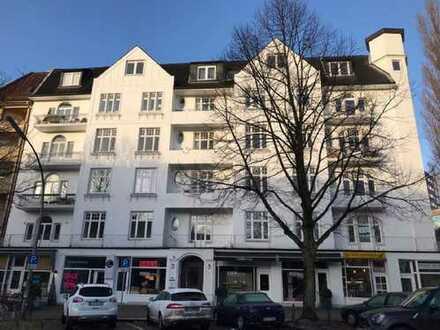 Direkt am Isemarkt: Über den Dächern von Harvestehude/Eppendorf: Ideal als Wohnbüro, Praxis, Atelier