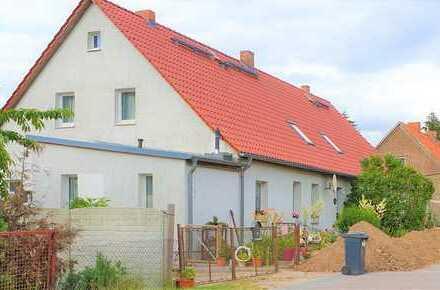 3 Zi. Wohnung in ländlicher Umgebung mit Stellplätzen, Schuppen und Garten