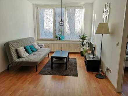 Sehr schöne 2-Zimmer-Wohnung mit Einbauküche in Top Lage