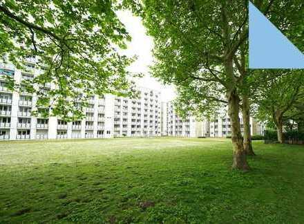 Erdgeschoss, 2 Terrassen, neue Fenster, neue Fassade + TG-Stellplatz in Junkersdorf