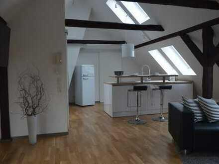 Möblierte 2-Zimmer Dachgeschosswohnung
