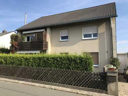 Schöne 3-Zimmer-Wohnung mit Terrasse und EBK in Naila