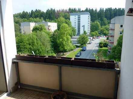 sehr schöne & hochwertig 3-Zimmer Wohnung mit toller Sonnenloggia und Balkon