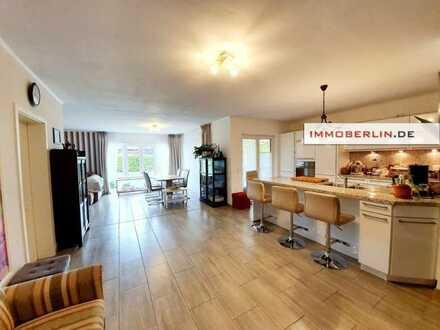 IMMOBERLIN.DE - Natur zum Wohlfühlen! Modernes Einfamilienhaus auf großem Grundstück