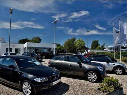 Autohaus mit großzügiger Ausstellungshalle und Büroräumen