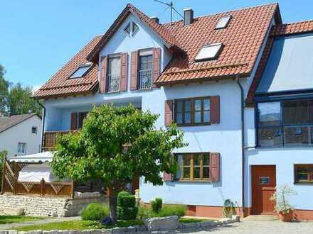 PROVISIONSFREI FÜR DEN KÄUFER: Traumhaftes Anwesen auf großem Grundstück in Buttenwiesen