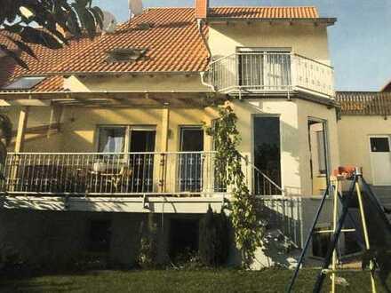 Wunderschöne Doppelhaushälfte mit traumhaftem Ausblick