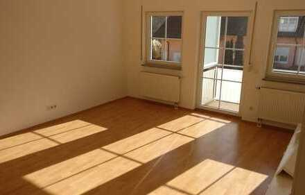 Grafrath: Helle 2 Zimmer Wohnung mit Balkon -Baujahr 2005-