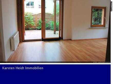 Woltersdorf: Helle Zwei-Zimmer-Wohnung mit Südterrasse und kleinem Gartenanteil!