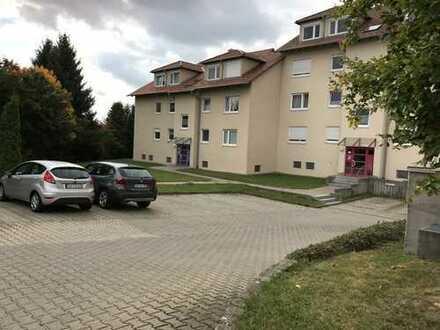 Gepflegte 2-Zimmer-Dachgeschosswohnung mit Balkon und EBK in Trossingen