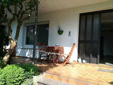 Erdgeschoss Wohnung in romantischer Lage - Erstbezug nach Komplett-Sanierung