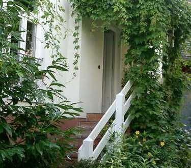 """Modernes """"Haus im Haus"""" für INDIVIDUALISTEN mit 3 Etagen in denkmalgeschützter, sanierter Hofreite"""