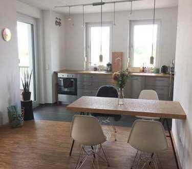 Exklusive 3-Zimmer-Wohnung mit Balkon und EBK in Langen