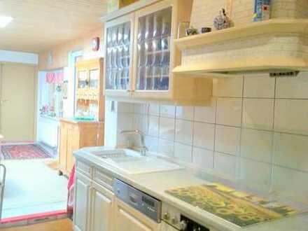 2 Zimmer mit eigenem Bad WG Neustadt Altstadt Frauen WG