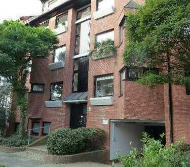 Vier-Zimmer-Wohnung mit Balkon in Schwachhausen