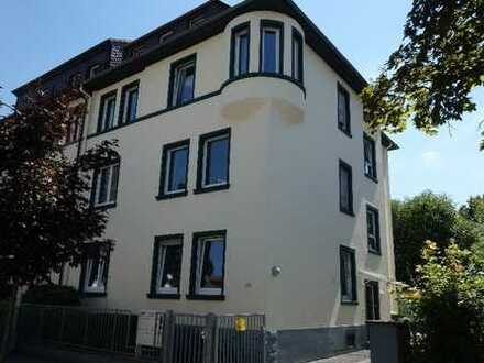 Im Villenviertel von Neu-Isenburg, gepflegtes Wohnhaus mit vier Wohneinheiten