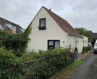 Niedliches kleines Einfamilienhaus in TOP Zustand in zentraler Lage von Vegesack!!!