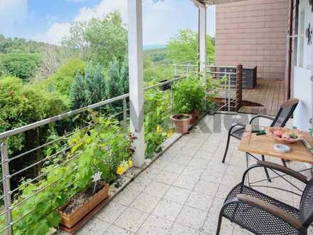 Perspektiven für Macher: Großzügiges ZFH mit 2 Balkonen mit schöner Aussicht - 3. WE möglich