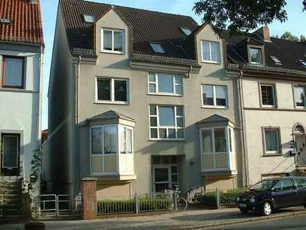***Bremen-Sebaldsbrück, großzügige 2-Zimmer-Wohnung mit Einbauküche und Loggia***