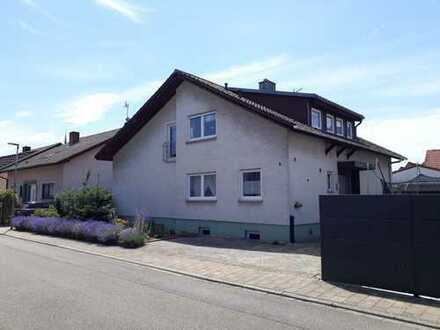 Ihre Gelegenheit! : Sehr begehrtes Einfamilienhaus in Lage von Rot zum fairen Preis!