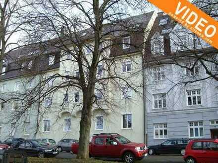 Helle, frisch renovierte 2,5 ZKB mit EBK, und Gartenmitbenutzung in Göggingen!