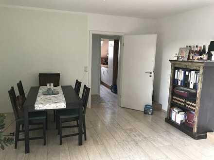 Schöne zwei Zimmer Wohnung in Würzburg, Rottenbauer