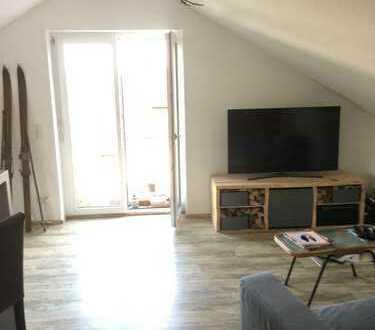 Neuwertige 2-Zimmer-DG-Wohnung mit Einbauküche in Meersburg