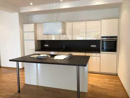 ca. 232 qm Wohnfläche, 6 Zimmer,2 Bäder, 1 GWC (gehobene Ausstattung) im Süden von Leipzig