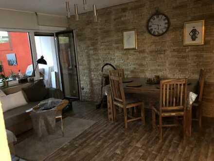 Stilvolle, geräumige 2-Zimmer-Terrassenwohnung mit 75qm zum Wohlfühlen und EBK in Köln Kalk