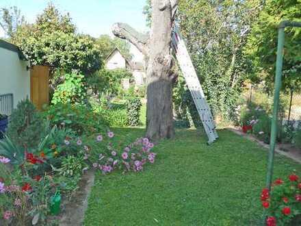 5981 - 4-Zimmerwohnung mit Balkon und Gartenmitbenutzung in Durlach-Aue zu vermieten!
