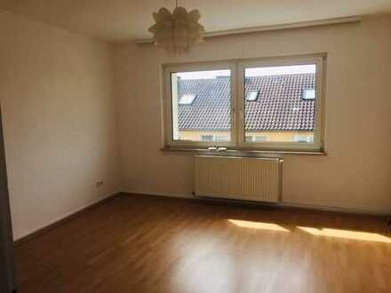 Ihre frisch sanierte 2 Zimmerwohnung im Herzen von Offenbach mit 2 Balkonen