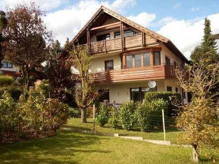 Modernisierte Wohnung mit vier Zimmern und Balkon in Stockach OT